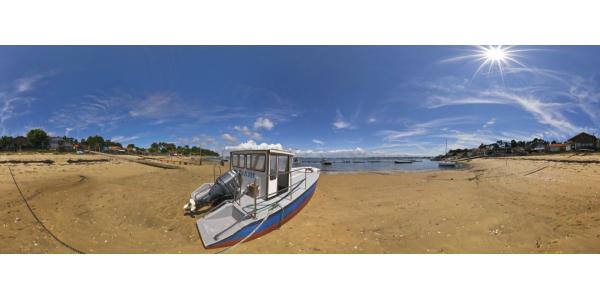Le Canon - plage et bateau