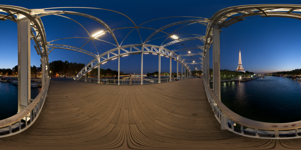 Paris — Passerelle Debilly