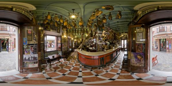 Séville — bar à jambon
