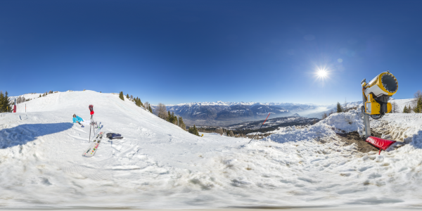 Crans Montana —canon à neige